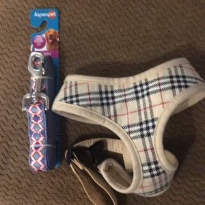 Burberry harness for small dog & new leash